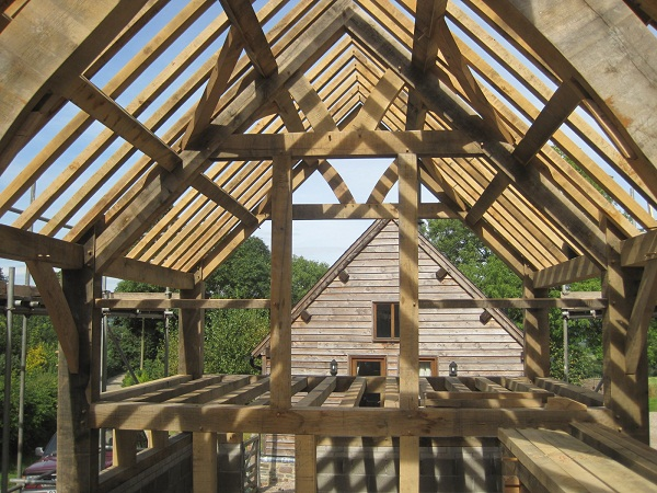 Common Rafters at Castle Ring Oak Frame
