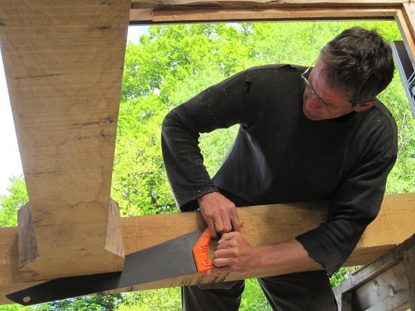 Saw carving i timber frames