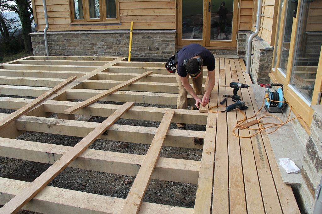 How to lay a deck