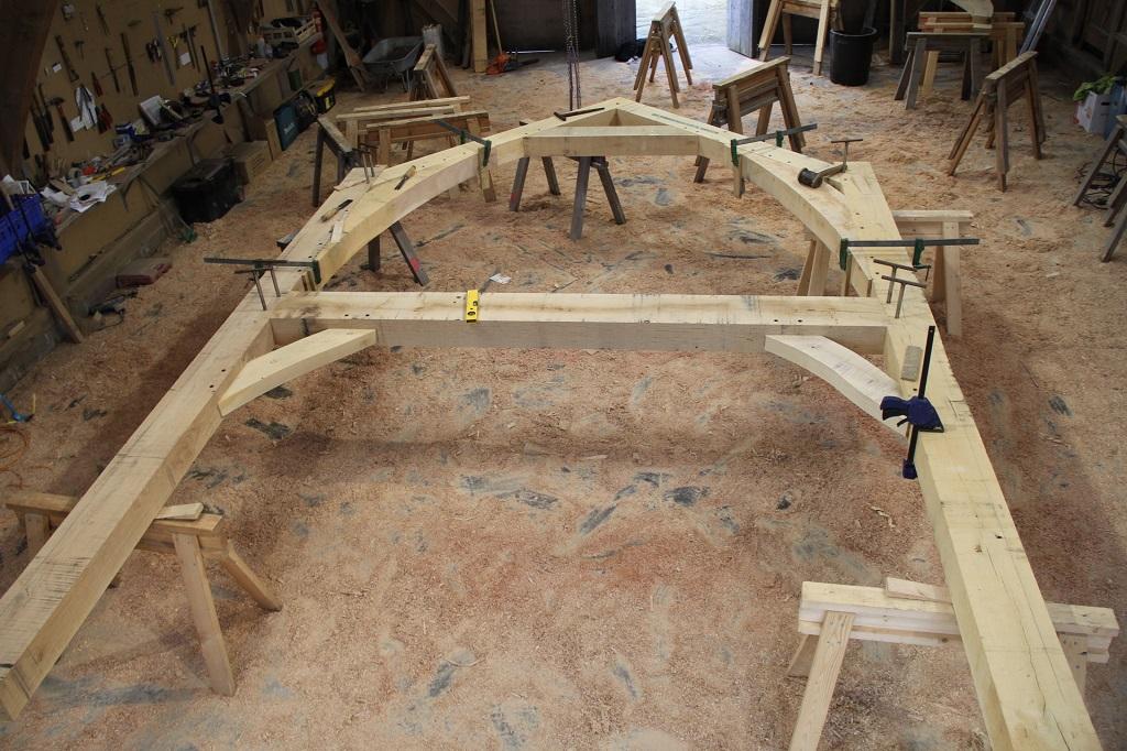 Curved braces oak frame