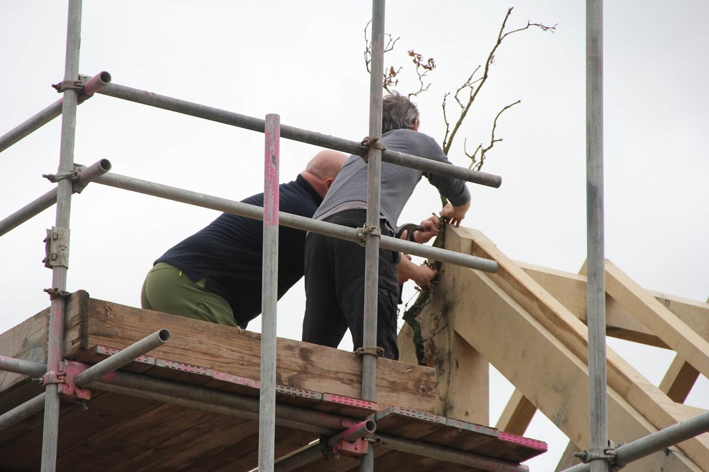 Topping out timber frame oak