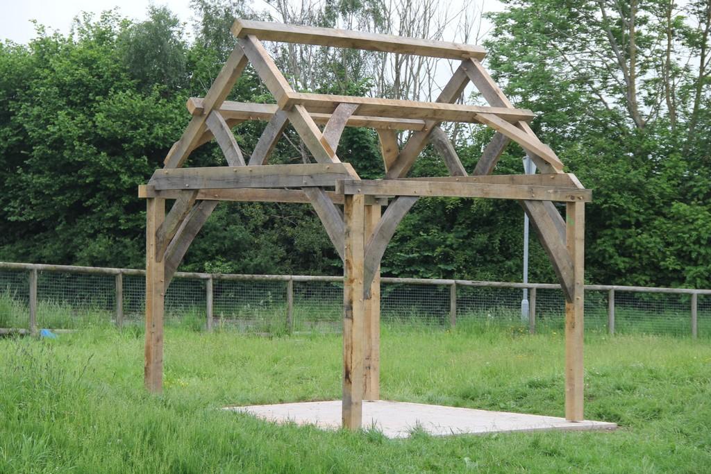 Castle Ring Oak Frame Presteigne