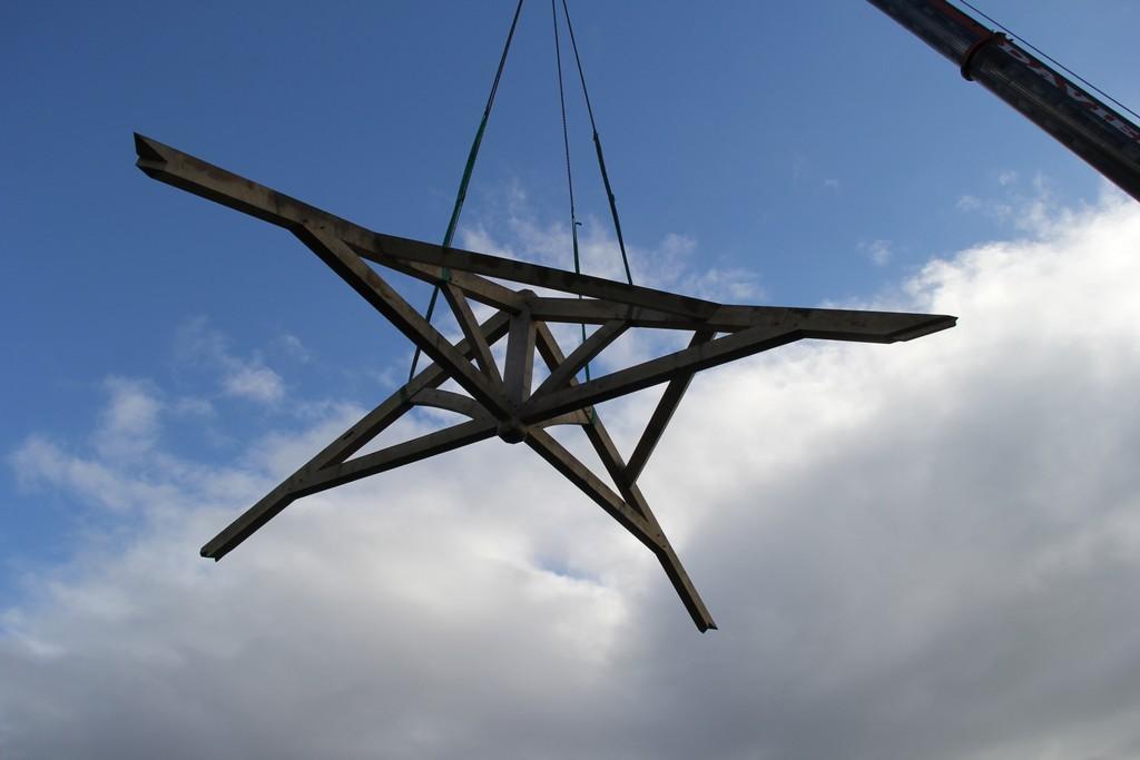Roof oak frame barn
